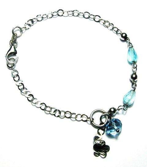 Bracciale in argento con charm